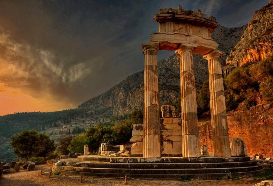 Delphi The Navel of the World